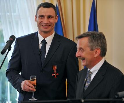 Виталий Кличко и посол Германии на Украине Ханс-Юрген Хаймзет