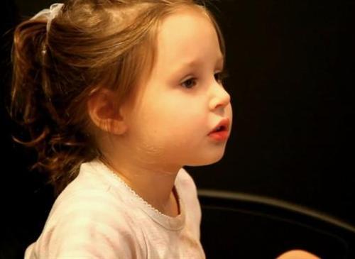 ... и его 3-летняя дочь Алла
