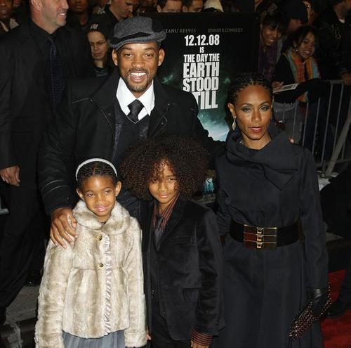 Уилл Смит с супругой Джадой Пинкетт Смит и детьми