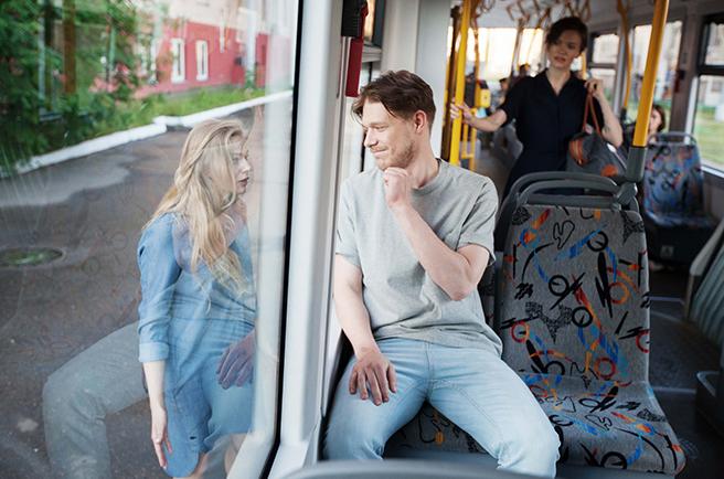 За окном — Бортич, в троллейбусе — Никита Ефремов