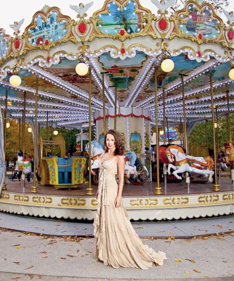 Жанна на фоне парижской карусели