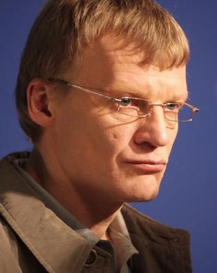 Алексей Серебряков рассказал о приемных детях - интервью, видео