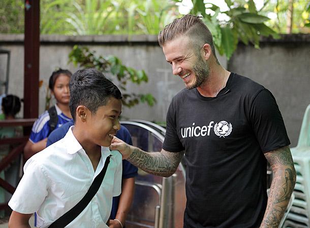 Дэвид Бекхэм навестил камбоджийских ребят