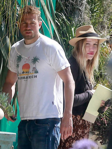 Чарли и Моргана после совместного шоппинга