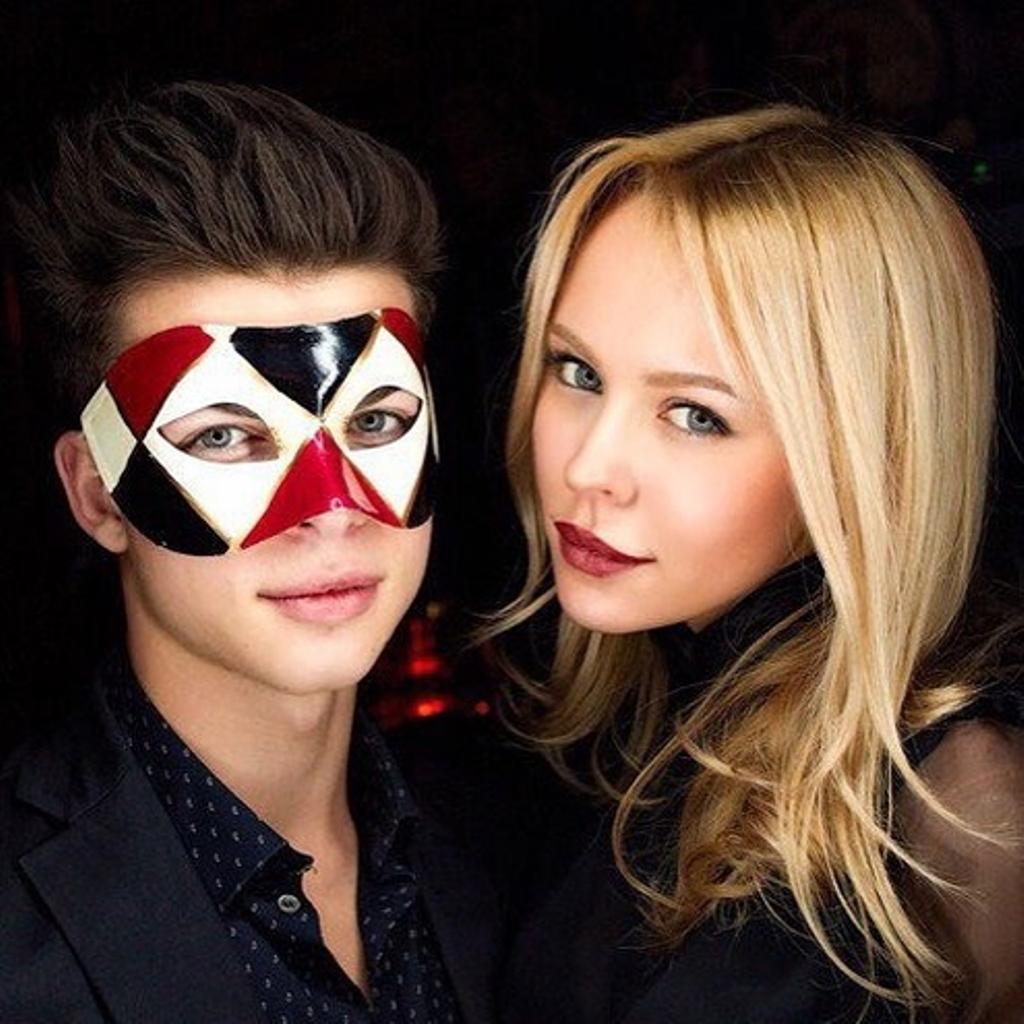 Филипп Газманов с девушкой