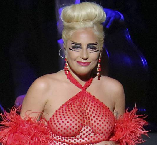 Леди Гага предпочитает оставаться полной