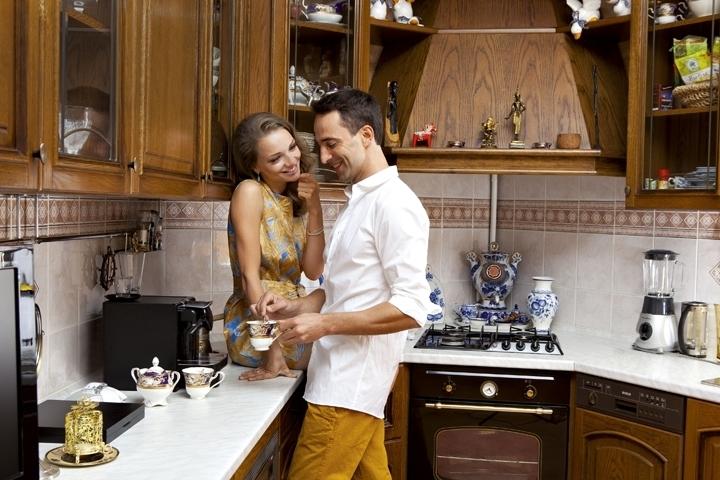 Катя и Илья в домашней обстановке