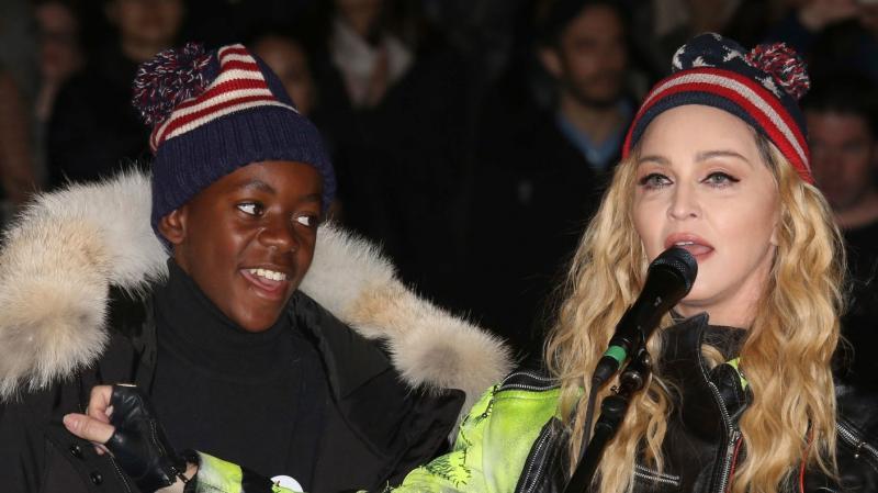 Мадонна и сын