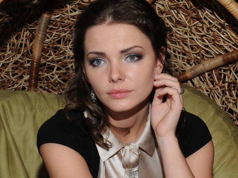 Е.Боярская