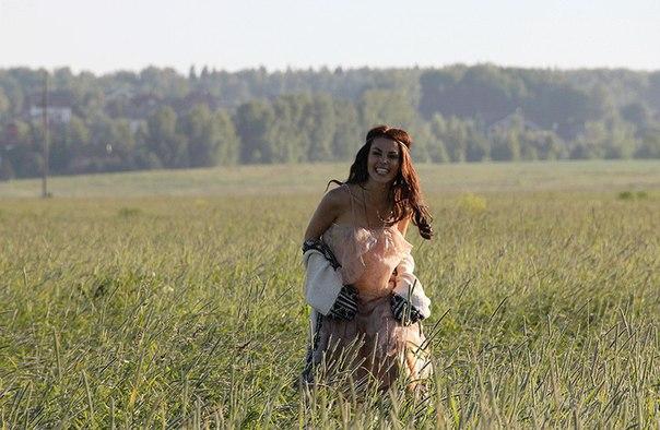 """Сати Казанова сняла клип на песню """"Счастье есть"""""""