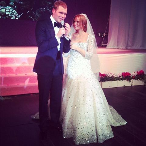 Сергей и Татиана принимают поздравления от гостей